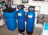 """Odstranění železa, tvrdosti vody a bakterií filtrem A35P300 G1"""" a A35K G1"""" a UV lampou - Ostroměř"""