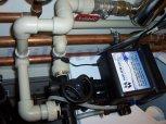 Změkčení vody filtrem A35K v kabinetovém provedení+UV lampa a dávkovací čerpadlo s vodoměrem-Říčany-